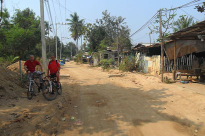 Pattaya Cycle Tour - Back streets not yet discovered