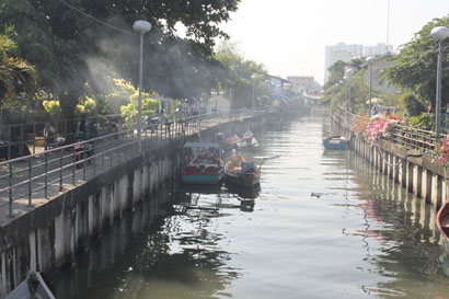 Pattaya Cycle Tour - The Klongs in China Town